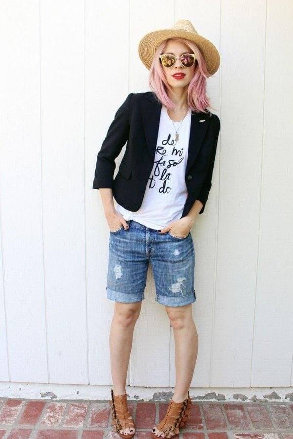 Casual day look updated with a blazer gives the outfit a touch of chic.