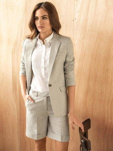 Sophisticated bermuda shorts suit, sophisticated & chic for the office.