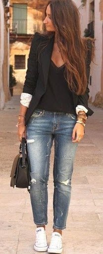 Blazer, jeans & this time Chuck Taylor's instead of heels make this a comfy, chic look.